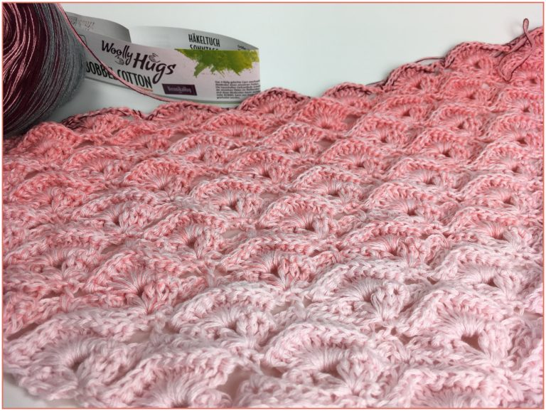"Tuch ""Reliefmuscheln"" schriftliche Anleitung: https://www.crazypatterns.net/de/items/22663/tuch-reliefmuscheln-mit-1-bobbel-woolly-hugs-cotton-haekeln?ref=VeronikaHug"