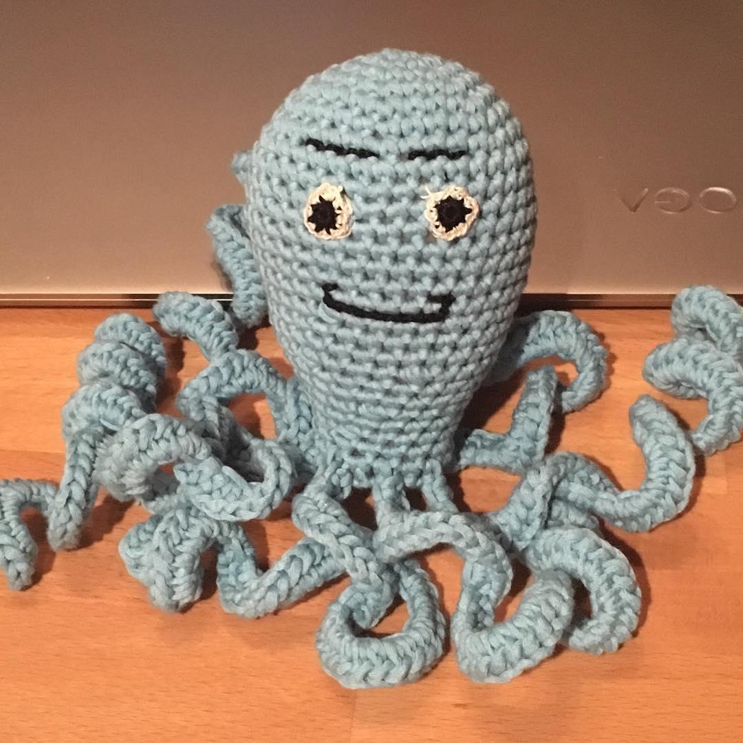 Haekelanleitung von Veronika Hug. Oktopus für Frühchen.