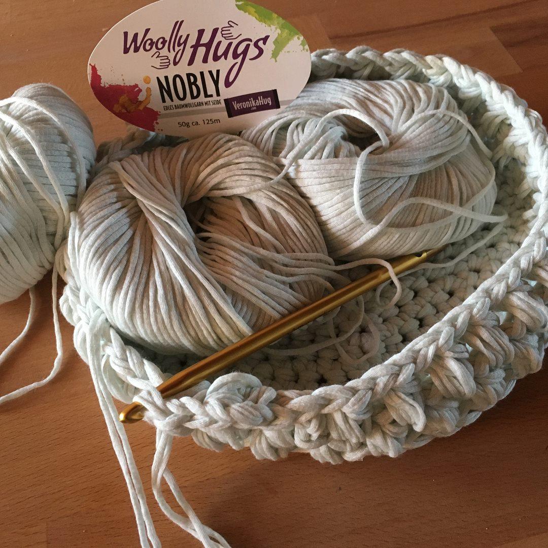 Woolly Hugs Nobly 7